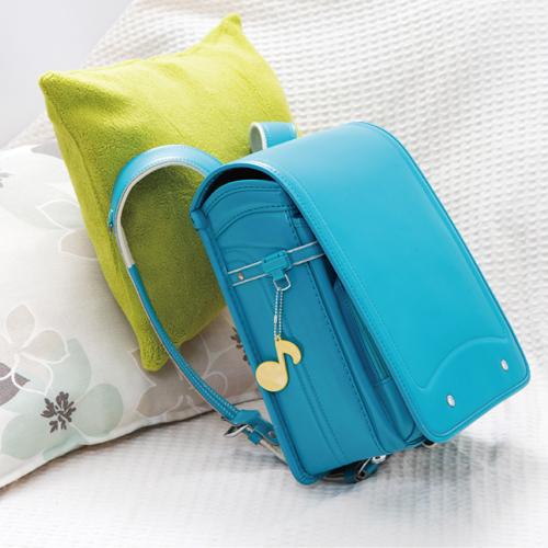 かばんにつけて交通安全