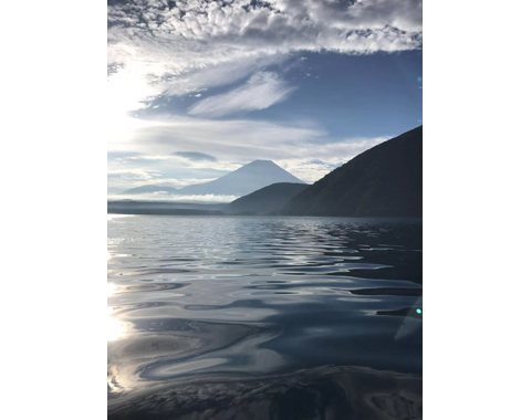 力匠部屋~「本栖湖の早朝」
