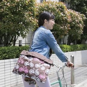 サイクリングに便利なショルダーエコバッグ